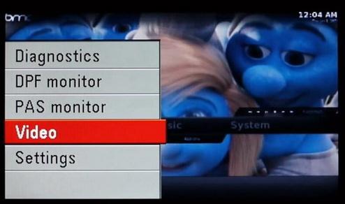 Otevřené menu MKJ na položce Video - v pozadí přehrávané video z mikropočítače Raspberry Pi