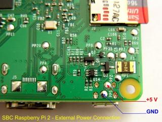 Detail připojení 5V napájecího napětí vedoucího ze zdroje RASP-PSM (Raspberry Pi Power Supply Modul) k desce plošných spojů mikropočítače Raspberry Pi 2