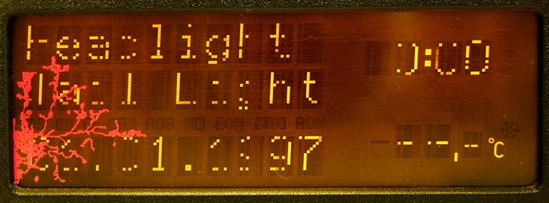 Mechanicky poškozený LCD displej před opravou