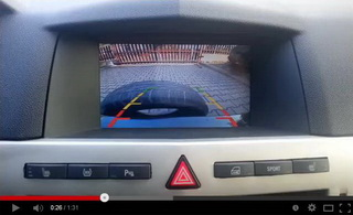 Ukázka funkce zobrazení videa zadní parkovací kamery ve voze OPEL Astra-H